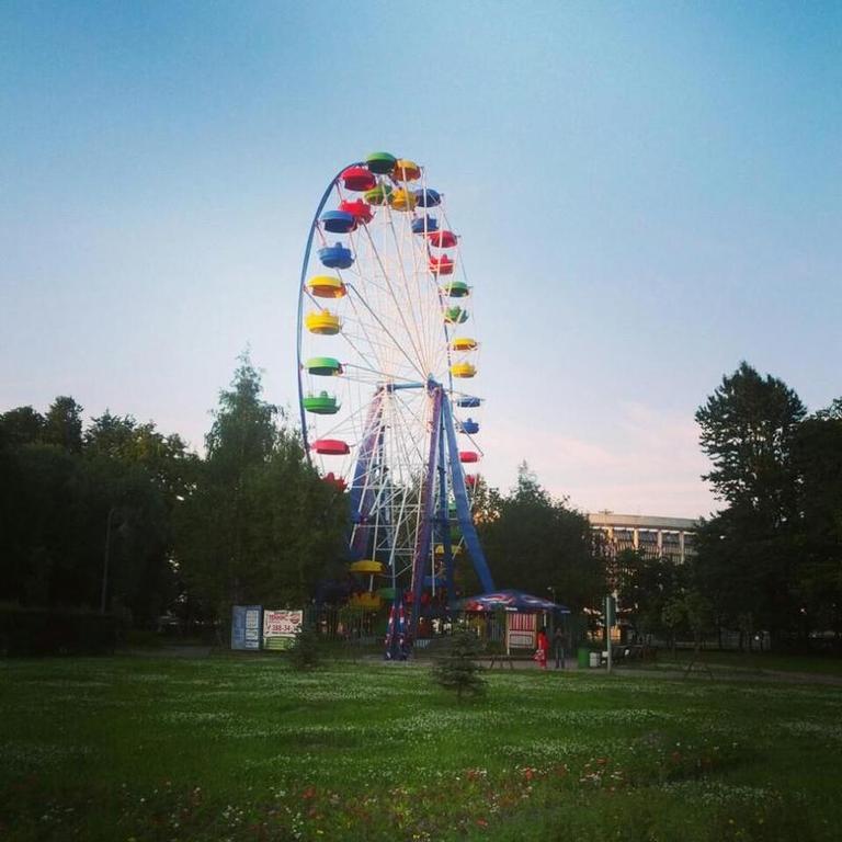 5 колес обозрения в Петербурге