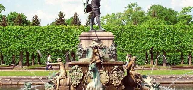 «Нептуна» вернут в Петергоф