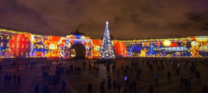 Фейерверки на Дворцовой площади