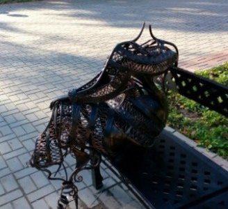 В Гатчине вандалы оторвали голову княгине
