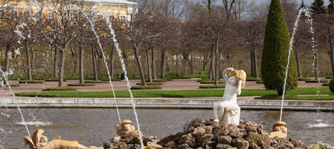 В Петергофе 28 апреля запустят фонтаны